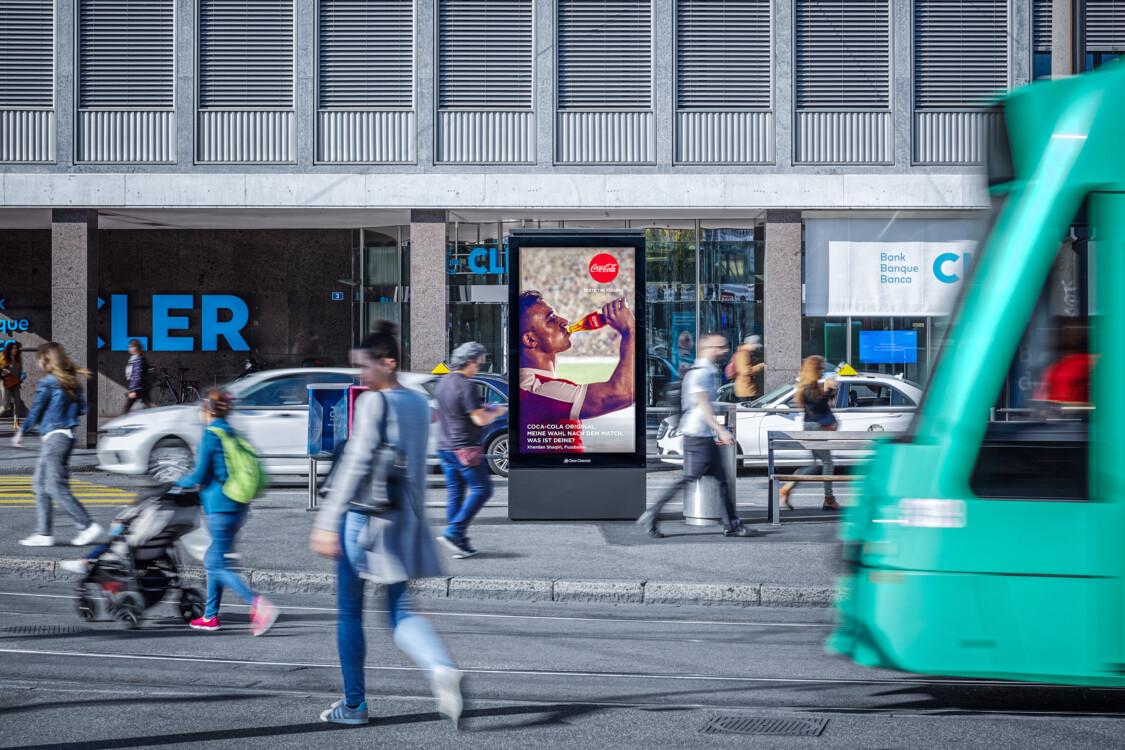 Digitale Werbung auf Screen in Basel – mit Plakat kaufkräftige Zielgruppe erreichen – Branding für Luxusprodukte,  hohe Reichweite, Flexibilität, dynamische Aussteuerung