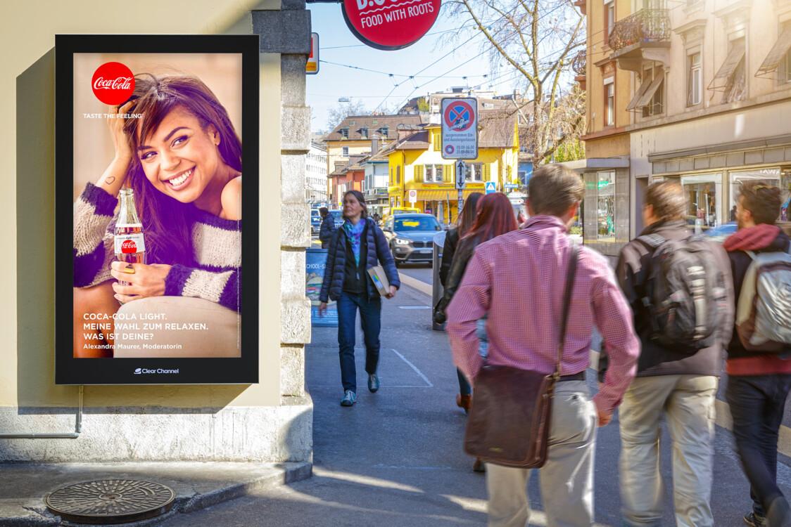 Plakat an der Langstrasse Zürich - Digitale Werbung auf Screen in Zürich – mit Plakat kaufkräftige Zielgruppe erreichen – Branding für Luxusprodukte,  hohe Reichweite, Flexibilität, dynamische Aussteuerung