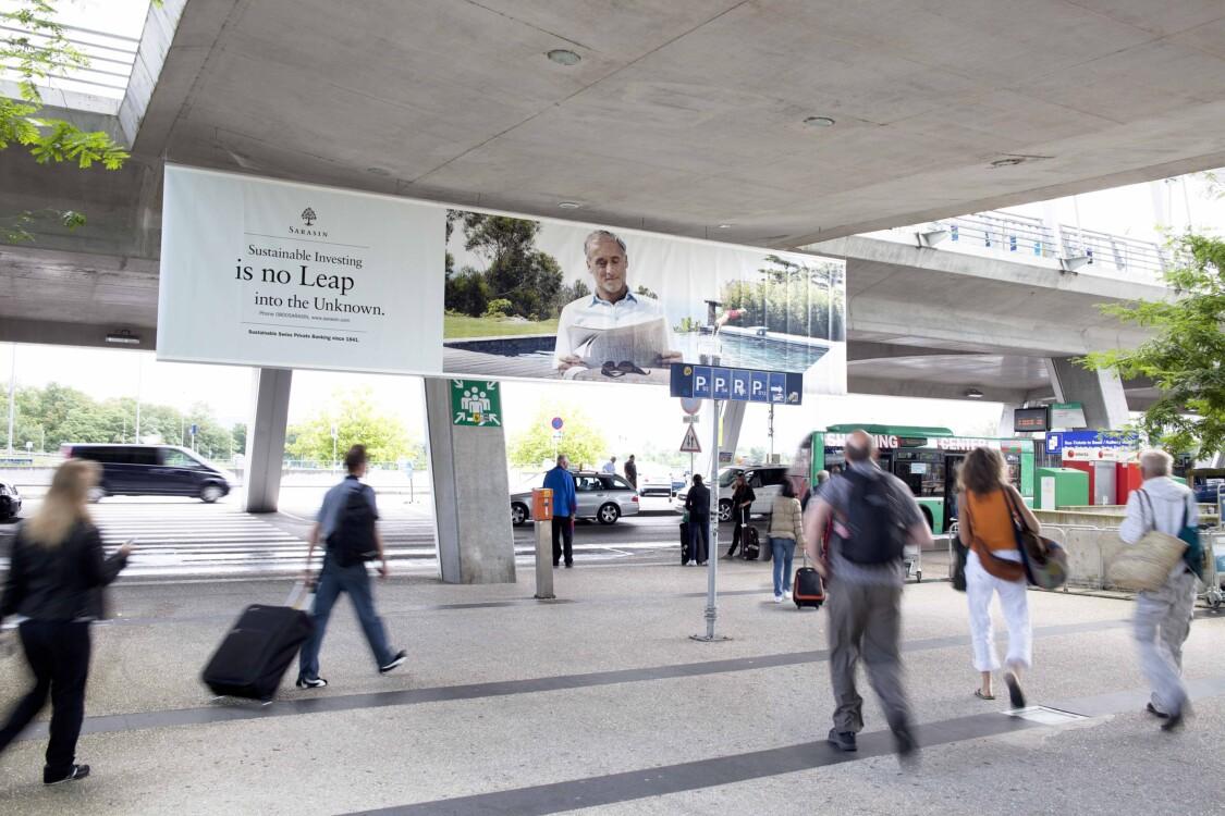 Publicité à l'aéroport - EuroAiport Basel - Affiches classiques et numériques – Comme ça fonctionne votre publicité dans la zone d'arrivée - Idéal pour le branding, l'image de marque et la notoriété de marque
