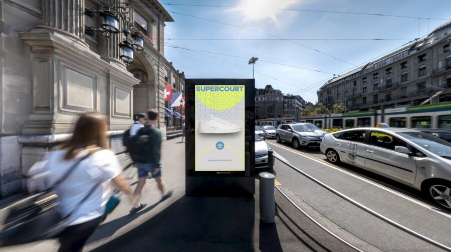 Plakat am Hauptbahnhof in Zürich - Digitale Werbung auf Screen im Zentrum von Zürich – mit Plakat kaufkräftige Zielgruppe erreichen – Branding für Luxusprodukte,  hohe Reichweite, Flexibilität, dynamische Aussteuerung