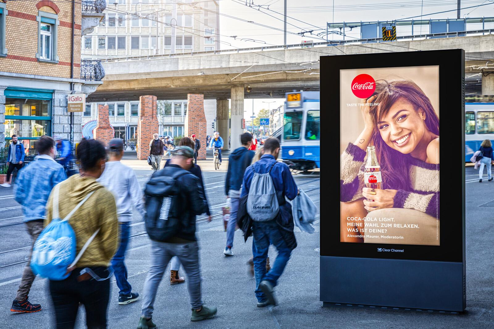 Affiche sur la Escherwyss de Zurich - publicité numérique sur écran au centre de Zurich - atteindre un groupe cible ayant un pouvoir d'achat- Branding pour les produits de luxe, grande portée, flexibilité, contrôle dynamique